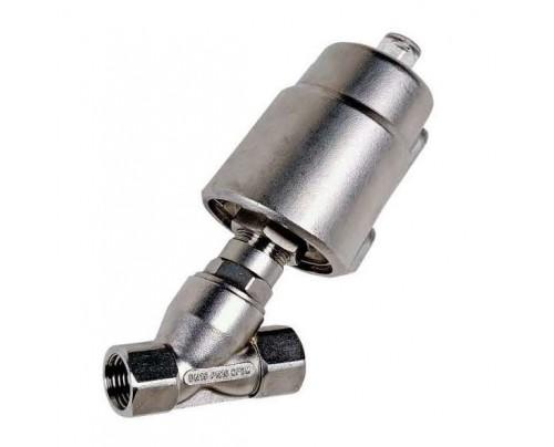 Válvula de asiento inclinado tipo Pistón con cierre a favor del caudal